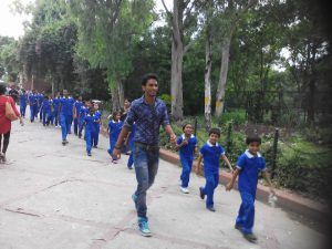 Children on the way to an outing   Samridhdhi Trust